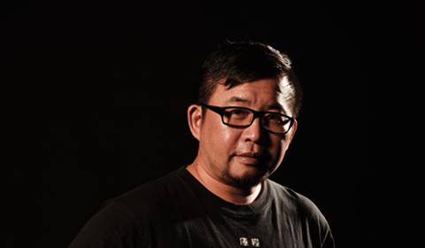 黃志偉 / 副教授兼系主任暨視傳所長 Huang, Chih-Wei / Associate Professor & Chair