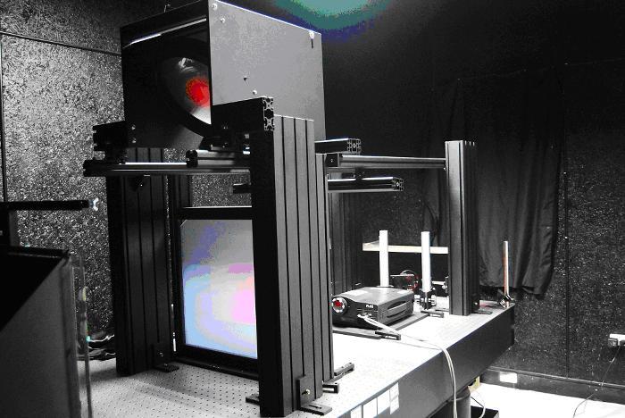 本校為全國第一個將雷射全像應用於藝術領域上的實驗室