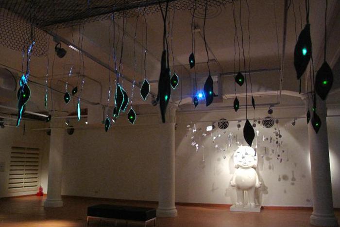 展覽會場中營造出許多回憶的空間氛圍