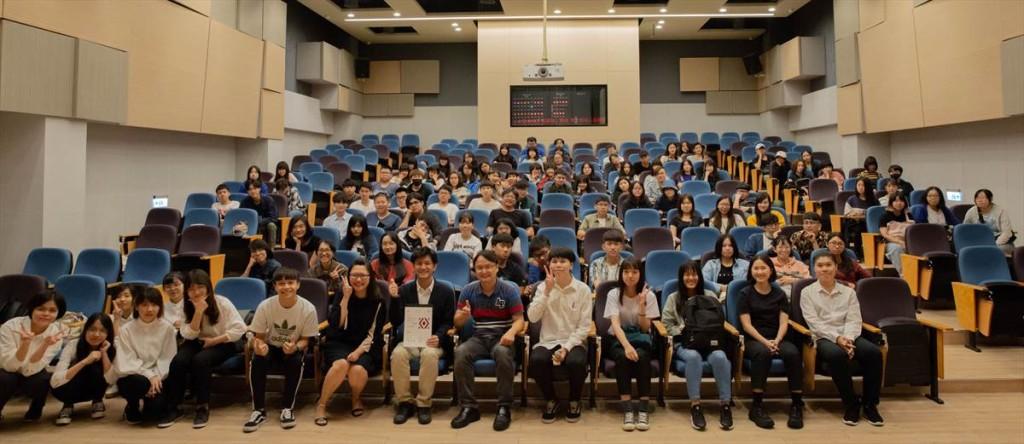 視傳系邀請日籍藝術家辦理工作坊 堆積木、手作燈籠體驗日式教學
